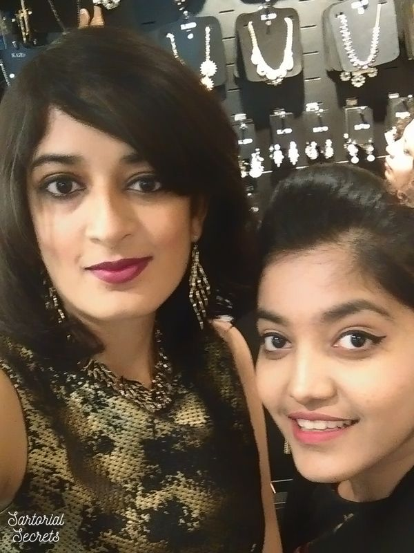 Nandini from Sartorial Secrets & Princy from The Jeromy Diaries