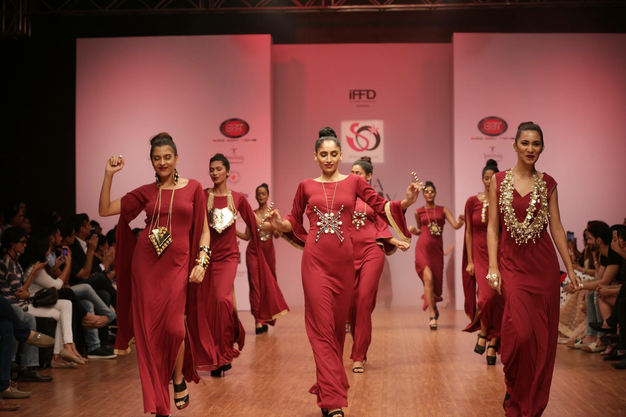 Weaving in Focus At The India Runway Week 2017